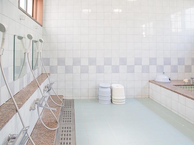 八幡学園のお風呂です